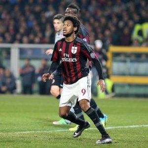 Mercato: l'Inter ci prova per Banega, Luiz Adriano verso la Turchia