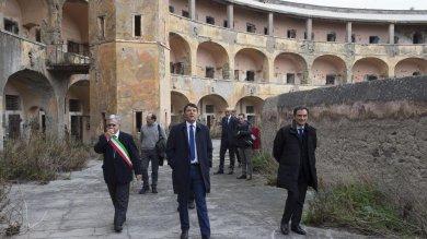 Il carcere di Santo Stefano ridotto a rudere ora quel sacrario tornerà a vivere   foto