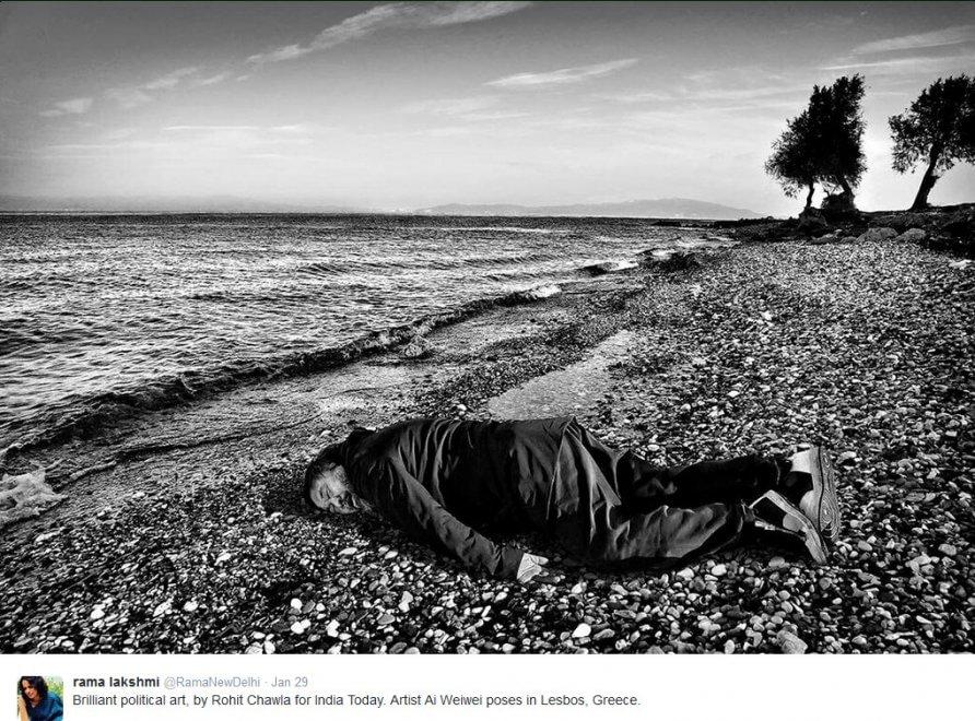 Sulla spiaggia di Lesbo: così Ai Weiwei ricorda il piccolo Aylan