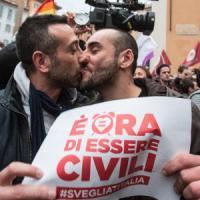 Unioni civili, i numeri delle famiglie gay: