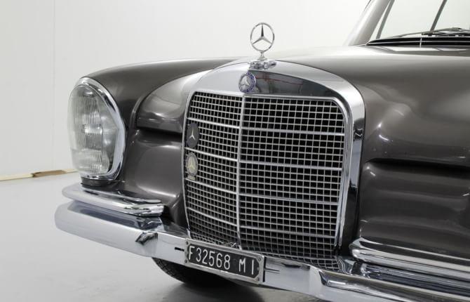Il super usato Mercedes protagonista fra le auto d'epoca