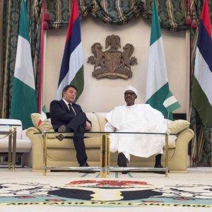 "Renzi dalla Nigeria al Ghana: ""Distruggeremo i terroristi"""