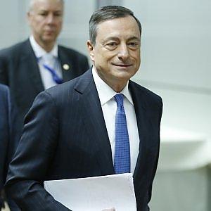 """Draghi: """"Bce pronta a intervenire a marzo, la ripresa stenta"""""""