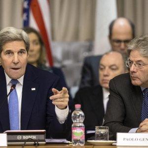"""Kerry a Roma: """"Schiacceremo l'Is ovunque. Abbiamo chiesto a coalizione nuovi contributi"""""""