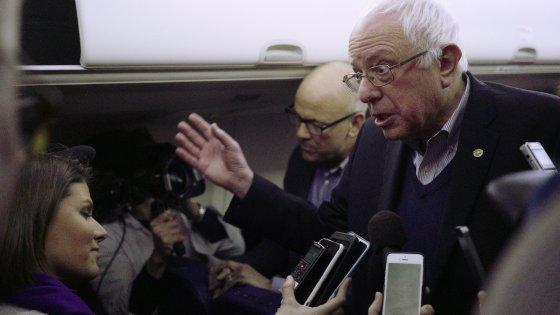 """Caucus Iowa, risultati ufficiali: Clinton ha vinto. Sanders: """"Conteggi siano onesti"""""""