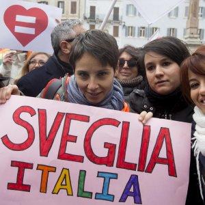 Unioni civili, il Pd dice no ad Alfano: stepchild resta. Senato respinge rinvio in commissione