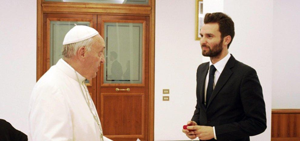 """Il Papa recita in un film? Vaticano smentisce: """"Francesco non è un attore"""""""