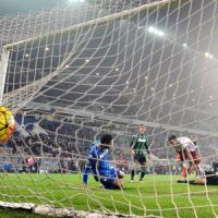 Sassuolo-Roma 0-2: Salah-El Shaarawy, i giallorossi riprendono l'Inter