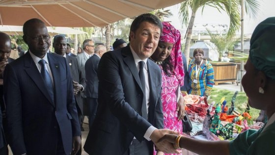 """Via libera accordo Ue-Turchia, tre miliardi ad Ankara. L'Italia: """"Via spese da deficit fin da crisi libica"""""""
