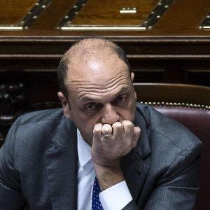 Fiducia nei ministri, la classifica: Padoan sempre in testa e cresce anche Alfano