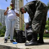 Zika, 11 città brasiliane devolvono alla ricerca i soldi del Carnevale