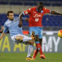 Cori anti-Napoli, sospesa per quattro minuti la partita all'Olimpico