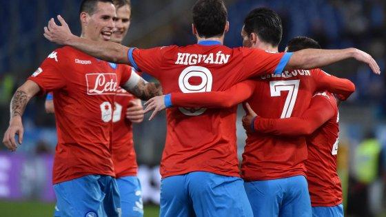 Lazio-Napoli 0-2, Higuain e Callejon per il settimo sigillo