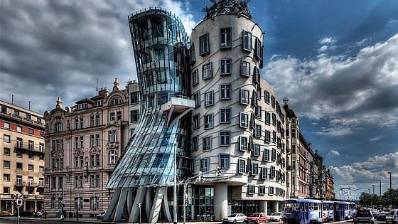"""Architetture in bilico. Tra Pisa e """"Ginger&Fred"""" molte gemme da scoprire"""