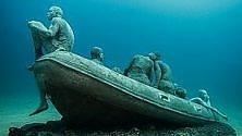 """""""La zattera  di Lampedusa"""":  omaggio ai migranti  nel museo sottomarino"""