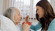 Pronto Alzheimer,  la prima linea telefonica per i familiari dei malati   di ANNA MARIA DE LUCA