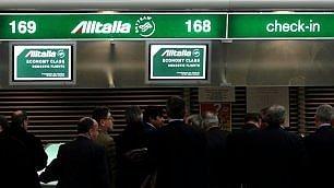 Alitalia: via ai rimborsi