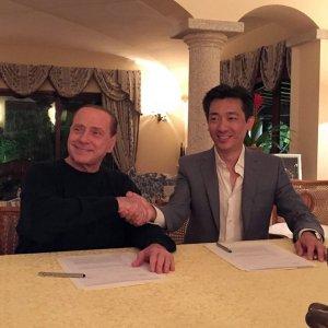 Dal miraggio Bee all'austerity, Berlusconi si tiene il Milan e taglia il budget