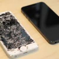 iPhone con schermo rotto: Apple lo ritira e lo paga