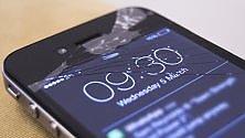 IPhone con lo schermo rotto? Adesso Apple lo ritira e te lo paga