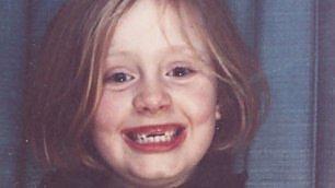 Adele, bambina senza denti sulla cover del nuovo singolo