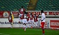 Bari-Crotone 2-3, il colpo al San Nicola vale il primo posto per i calabresi