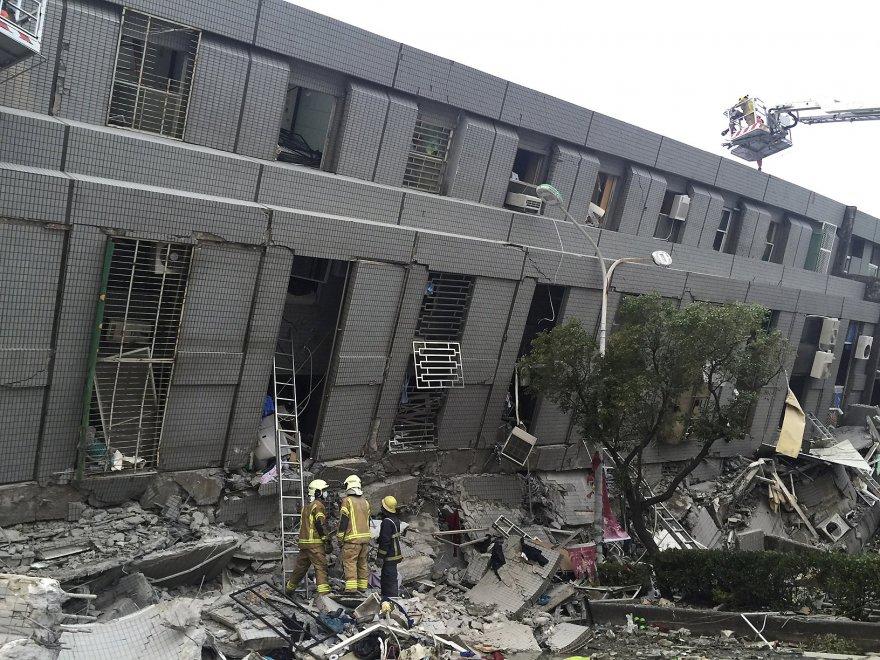 Terremoto a Taiwan, crolli e macerie dopo la scossa