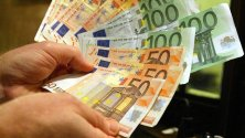 Troppi debiti e tanta paura: la crisi non è finita