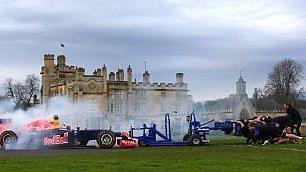 Formula 1 contro i rugbisti La mischia è sorprendente