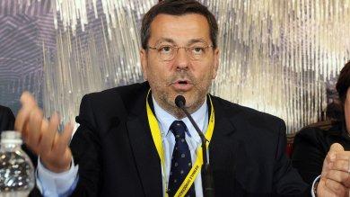 Corruzione e abuso d'ufficio sui rifiuti Arrestato il sindaco di Brindisi   video