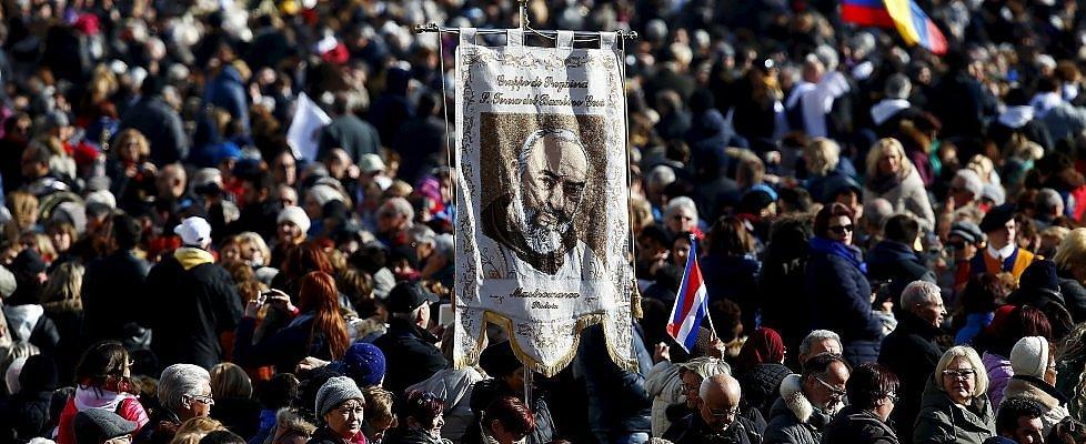 """Giubileo, l'omaggio di papa Francesco a Padre Pio: """"La sua goccia è diventata un grande fiume"""""""