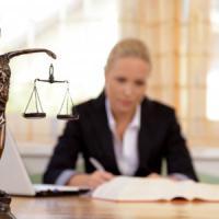 Il record degli avvocati londinesi: mille sterline l'ora