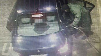 """Verona, fuggono a 200 all'ora sulla Bmw Polizia: """"Sono i banditi dell'Audi gialla"""""""