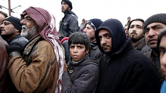 """Siria: esodo da Aleppo. Ue richiama Turchia sui confini: """"Accogliere rifugiati è dovere"""""""