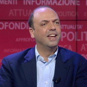 """Unioni Civili, Alfano insiste: """"Dopo Grillo Renzi accetti nostro patto"""""""