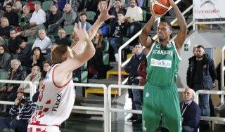 Basket, Avellino allunga il momento d'oro. Pistoia lotta ma cade