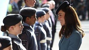 Comandante Kate tra cadetti  festa per i 75 anni della Raf