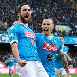 Serie A: vincono Napoli e Juve, sabato lo scontro diretto. Pari per Inter e Milan, la Roma batte la Sampdoria