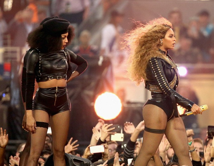 Super Bowl, omaggio a Malcom X: Beyoncé versione ''Black panther''