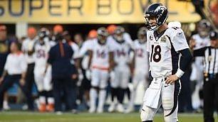 Football americano, trionfo Broncos   foto   Quarterback 40enne decide Super bowl