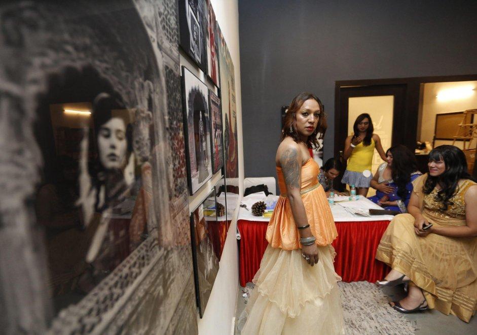 Nuova Delhi, la prima agenzia per modelle trans: i provini
