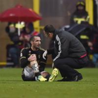 Juventus, Allegri ha due problemi: la stanchezza e il ko di Chiellini