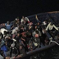 Emergenza migranti, nuovo naufragio nell'Egeo: 27 morti, 11 sono bambini