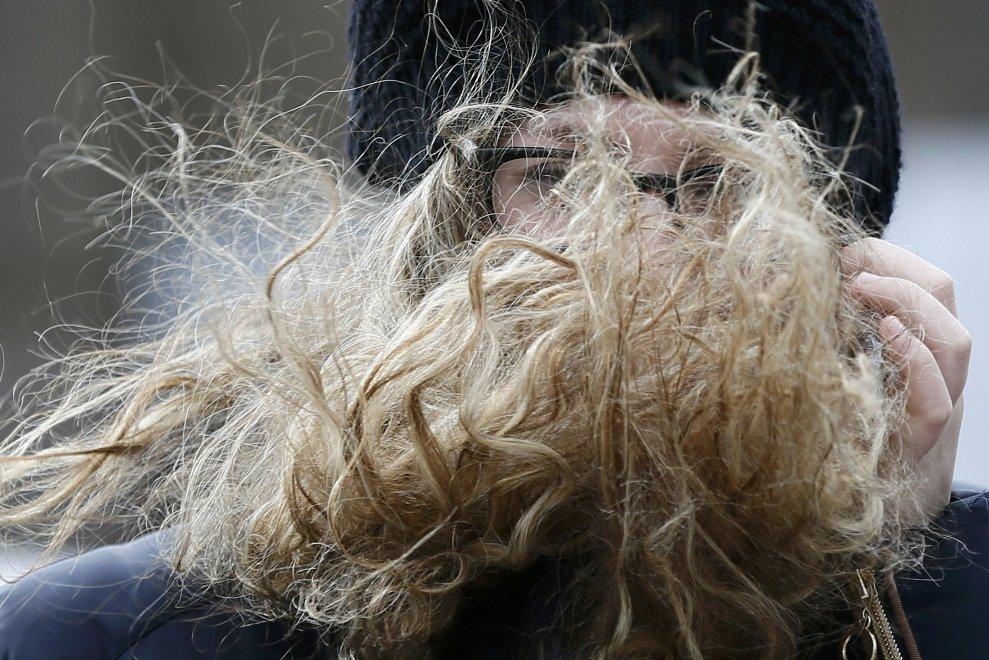 Capelli al vento: la bufera si abbatte sulla Gran Bretagna