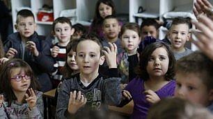 Tutti con Zejd, sordo dalla nascita A scuola s'impara lingua dei segni
