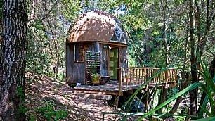 Una casa eco-friendly nel bosco E' l'alloggio più richiesto al mondo
