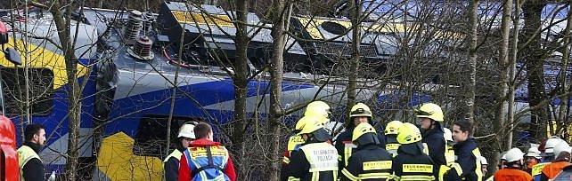 "Baviera, scontro fra treni. Polizia: ""4 morti""   foto"