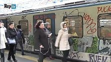 Mille treni per i pendolari La campagna social  contro smog e disservizi   Video   -   L'infografica