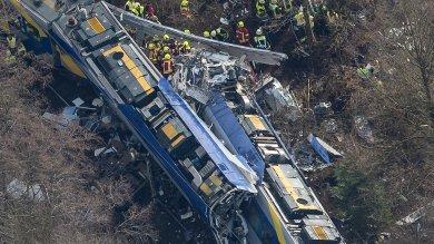 Baviera, scontro fra treni: 10 morti   foto     Foto  L'area dell'incidente vista dall'alto