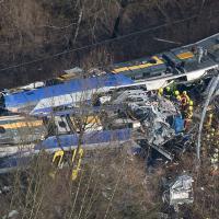 Baviera, scontro fra treni: le immagini dall'alto